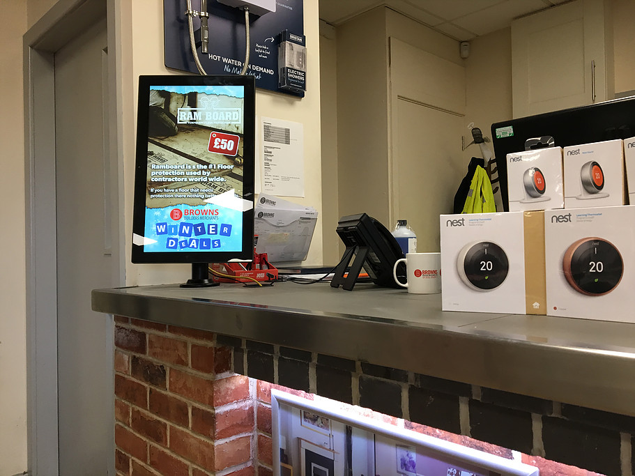 Counter top digitalsignage in a builders merchants